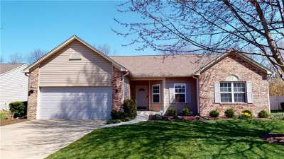533 W New London Drive, Greenwood, IN 46142