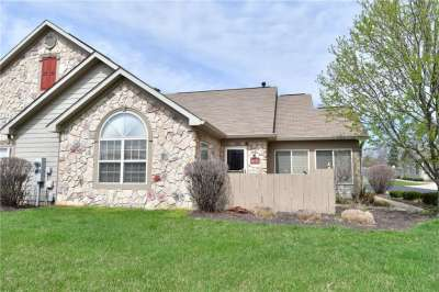 1032 W Laurelwood Lane, Greenwood, IN 46142