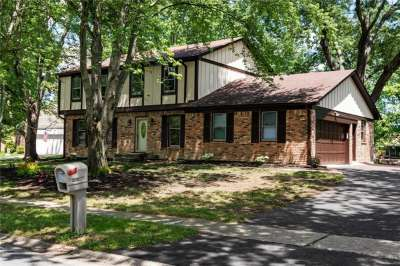 8319 W Scarsdale West Drive, Indianapolis, IN 46256