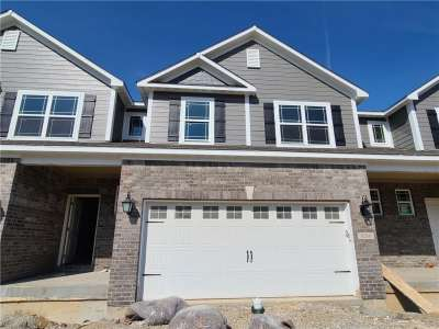 8266 S Glacier Ridge Drive, Fishers, IN 46038