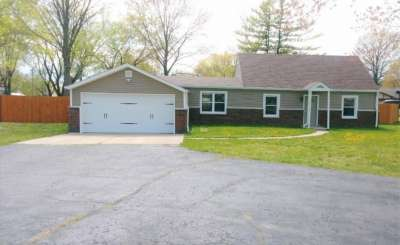 815 E Briarwood Drive, Greenwood, IN 46142