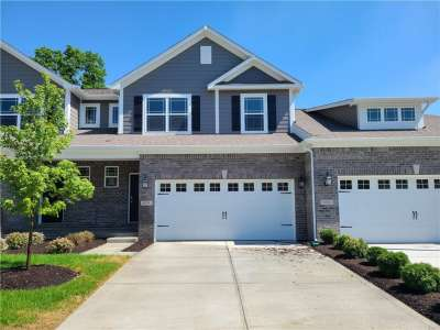 8274 S Glacier Ridge Drive, Fishers, IN 46038