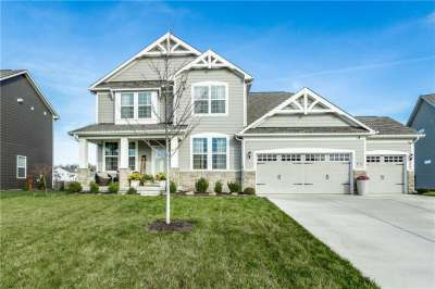 15662 S Bellevue Circle, Fishers, IN 46037