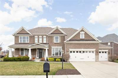 2712 E High Grove Circle, Zionsville, IN 46077