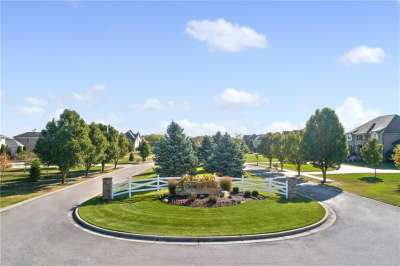 8006 S Cheval Rue Court, Zionsville, IN 46077