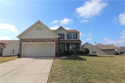1109 E Berrywood Drive, Greenwood, IN 46143
