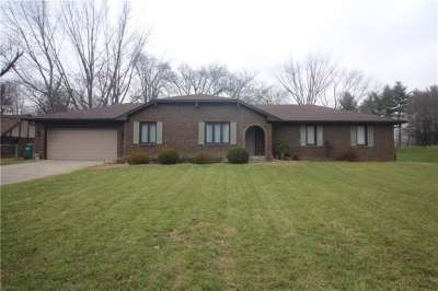 3824 E Clubhouse Court, Greenwood, IN 46142
