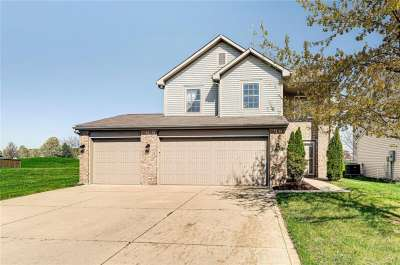 2329 S Longleaf Drive, Greenwood, IN 46143