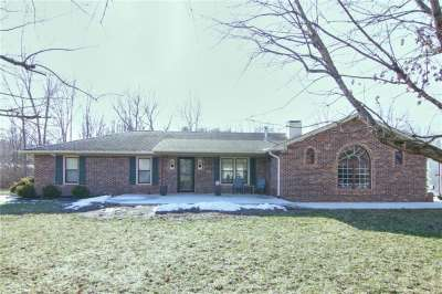349 N Green Hills Court, Greenwood, IN 46142