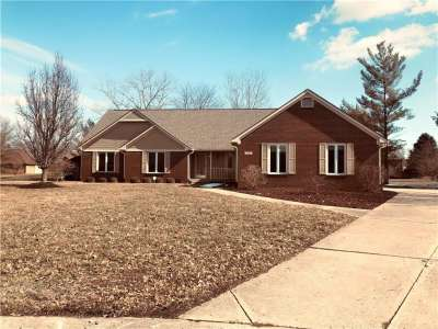4122 E Cobblestone Way, Greenwood, IN 46143
