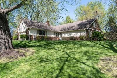 4588 S Southway Road, Greenwood, IN 46142