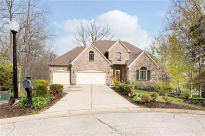4709 S Ashwood Court, Zionsville, IN 46077