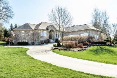6219 N White Tail Circle, Zionsville, IN 46077