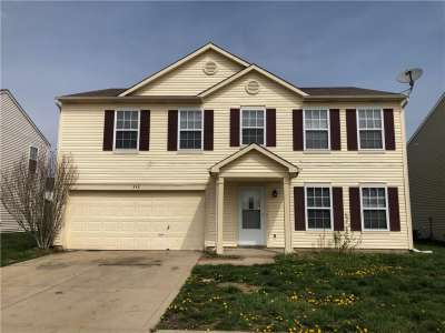 348 N Winterset Way, Greenwood, IN 46143