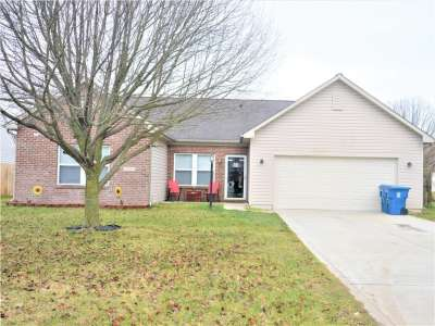 8129 W Red Barn Court, Indianapolis, IN 46239