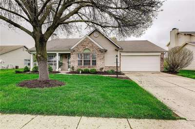3374 S Shore Drive, Greenwood, IN 46143