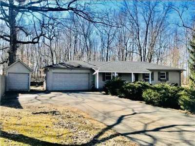 5319 W 200, New Palestine, IN 46163