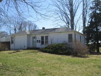 53 N Delphi Road, Rossville, IN 46065