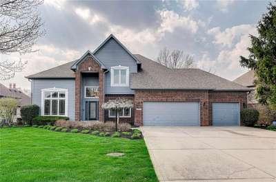 1413 N Cricklewood Way, Zionsville, IN 46077