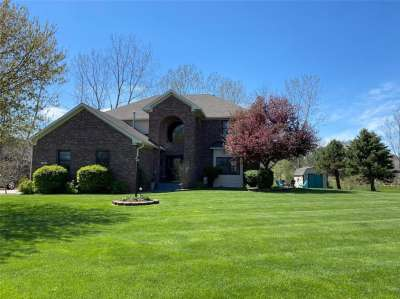 1118 N Creekview Drive, Greenfield, IN 46140