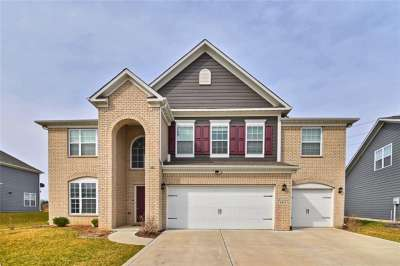 6414 W Sugar Maple Drive, Zionsville, IN 46077