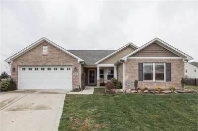5982 W Haywood, Greenwood, IN 46142