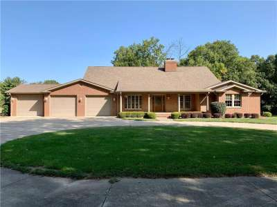 3340 W Carr Hill Road, Columbus, IN 47201