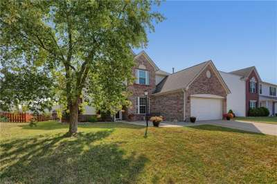 1105 Sweetbriar Drive, Greenwood, IN 46143