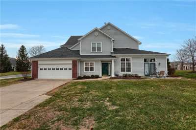 9568 W Clover Leaf Lane, Fishers, IN 46038