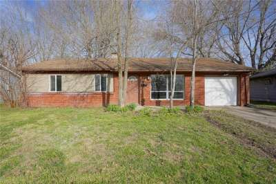 1917 W Beverly Court, Anderson, IN 46011