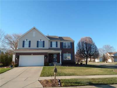 5001 E West Bay Court, Plainfield, IN 46168