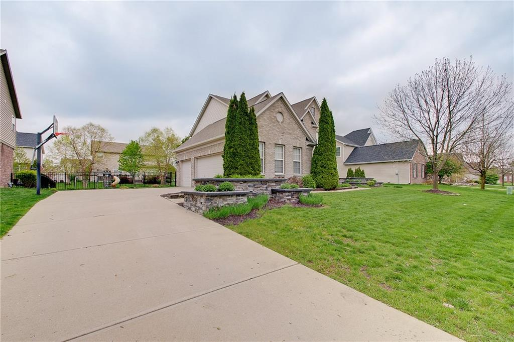 12761 E Desplaines Drive, Fishers, IN 46037 image #2