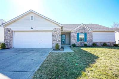 12217 N Meadowfield Circle, Indianapolis, IN 46236