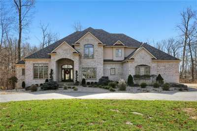 4145 Whitetail Woods Drive, Bargersville, IN 46106