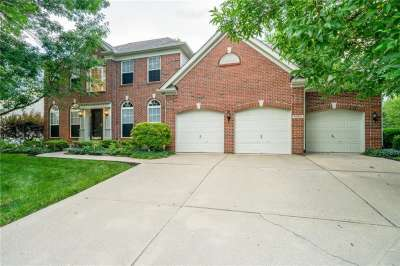 9963 N Parkshore Drive, Fishers, IN 46038