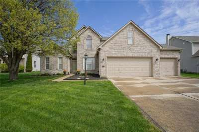 2 W Woodsage Court, Westfield, IN 46074