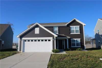 2576 S Sungold Trail, Greenwood, IN 46143