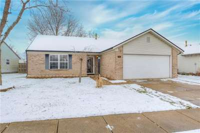 1462 S Millridge Drive, Greenwood, IN 46143