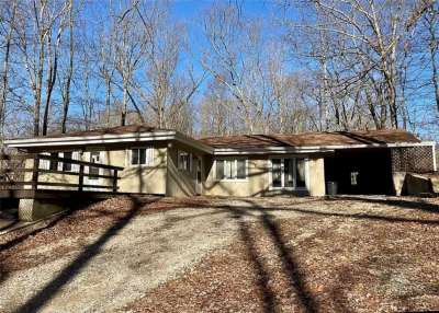 3607 E Helmsburg Road, Nashville, IN 47448