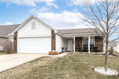 652 E Loon Lane, Greenwood, IN 46143