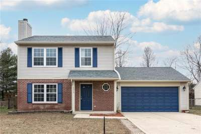 4074 Fairoaks Drive, Franklin, IN 46131
