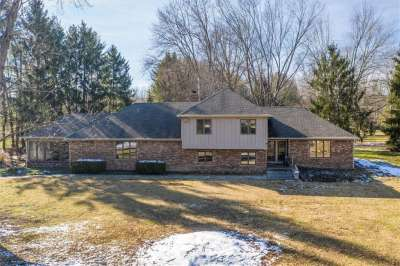 1612 S County Road 525, Avon, IN 46123