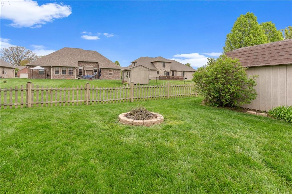4902 W Stonehaven Lane, New Palestine, IN 46163 image #2