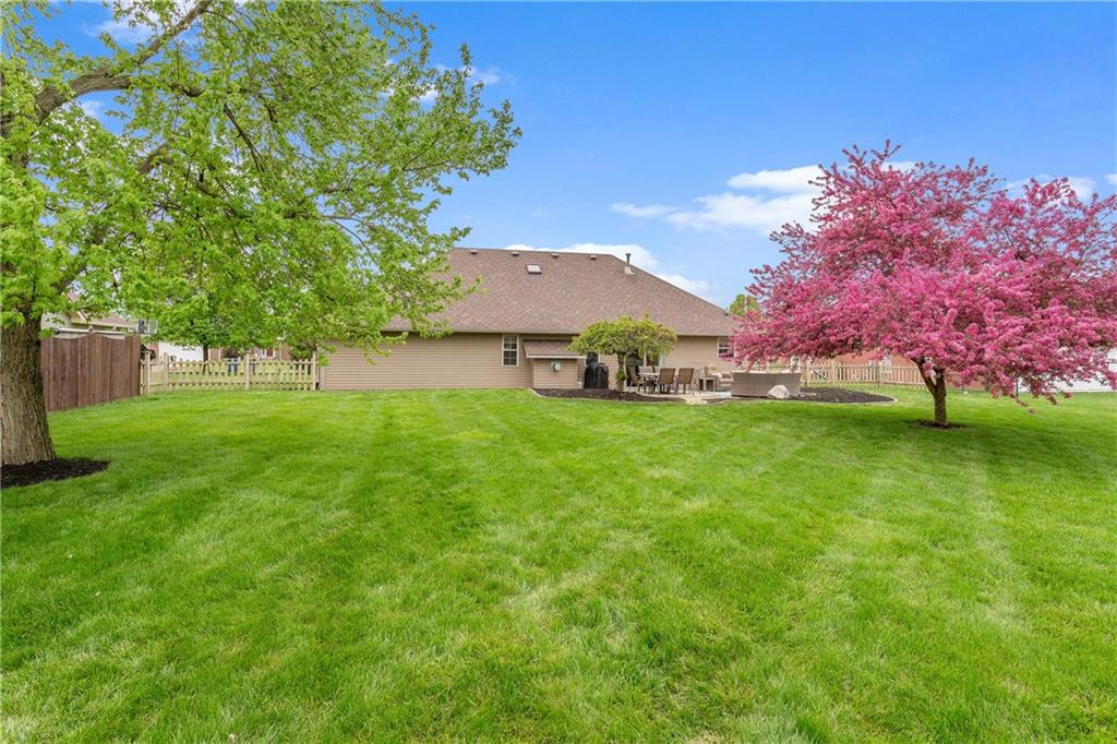 4902 W Stonehaven Lane, New Palestine, IN 46163 image #3