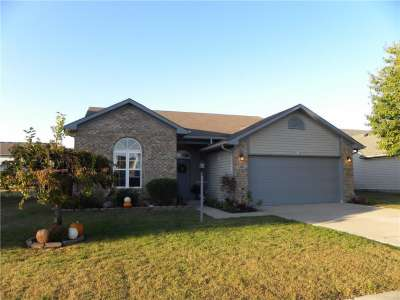 1704 Creekside, Brownsburg, IN 46112