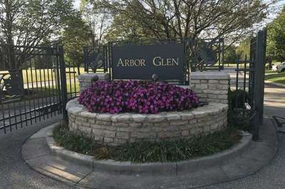 11557 N Arbor Glen Boulevard, Fishers, IN 46037