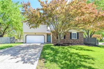 804 W Moss Oak Court, Indianapolis, IN 46217