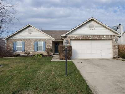 1806 W Quinn Creek Drive, Brownsburg, IN 46112
