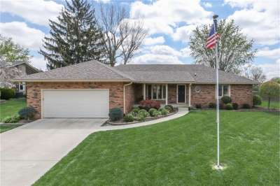 3137 S Greensview Drive, Greenwood, IN 46143