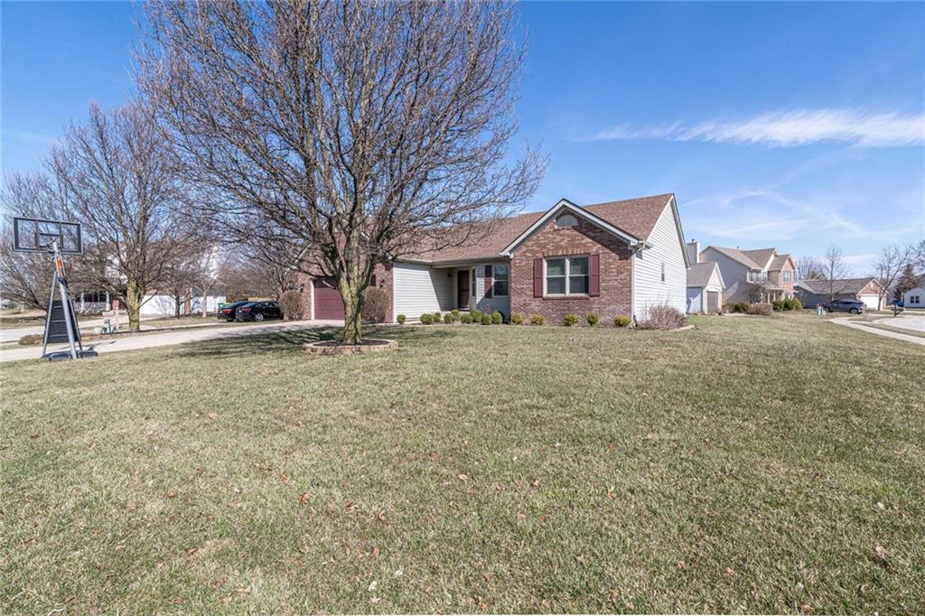 9942 E Suncoral Circle, Fishers, IN 46038 image #1
